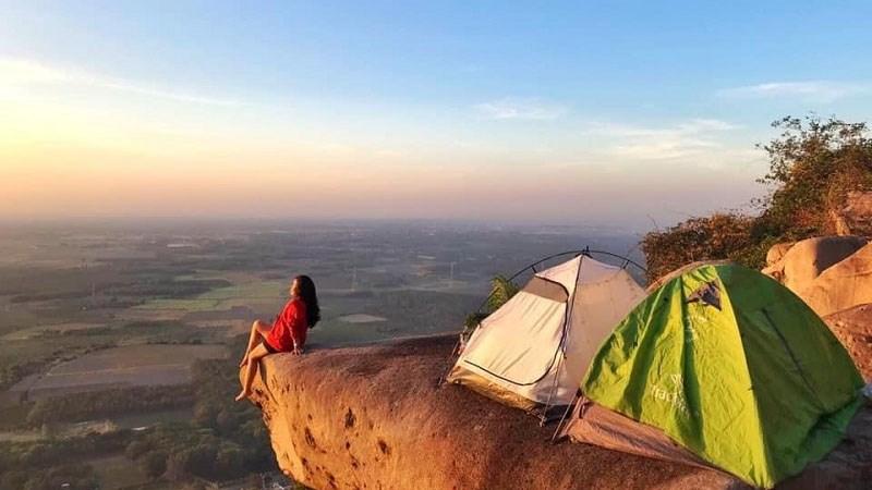 """12 địa điểm cắm trại """"cực chill """" gần Sài Gòn không nên bỏ qua"""